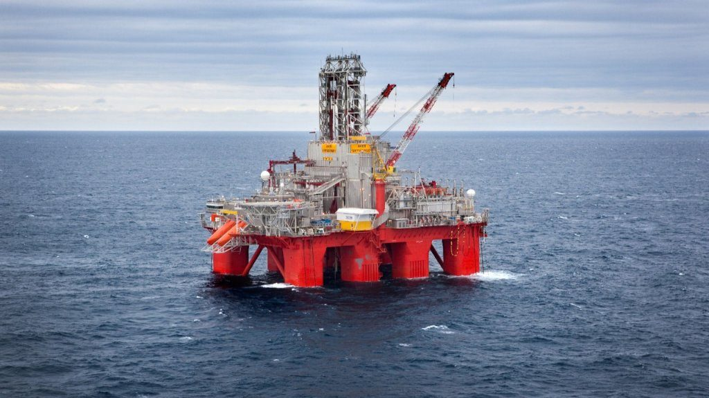 The Transocean Spitsbergen oil and gas drilling rig. (Photo- Kenneth Engelsvold)